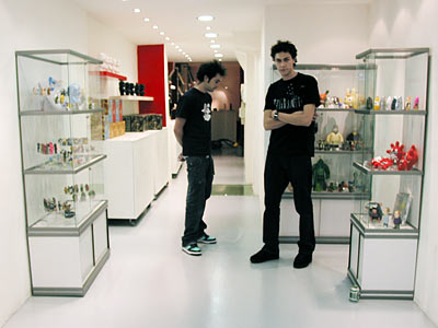la boutique Artoyz vue de dedans