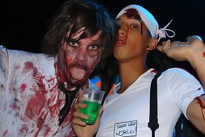 Lâm et un zombie