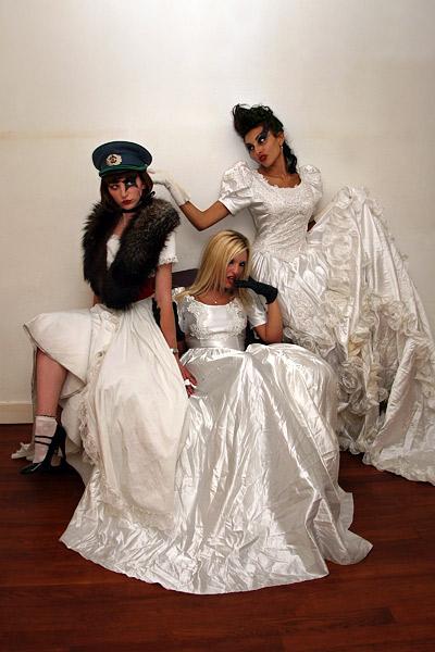Justine, Felina & Lisa