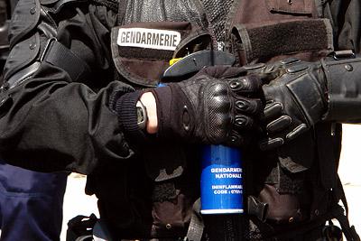 gaz au poivre @ manif anti-OGM