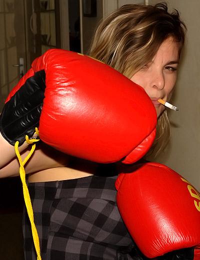 Emilie – boxing