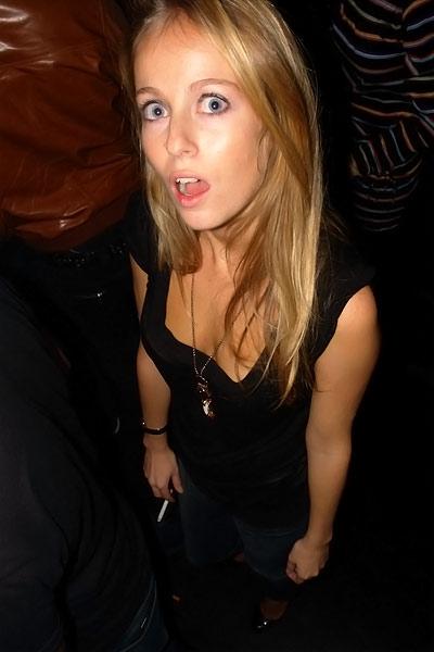 stunned girl @ Paris Paris