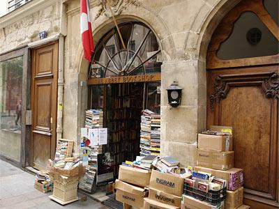 the Abbey Bookshop (vu du dehors)
